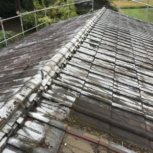 屋根改修工事をしています!