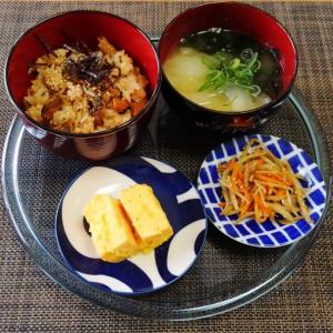 解除後はじめて週末に外出☆秋刀魚缶de2度おいしい炊き込みごはん♪☆♪☆♪