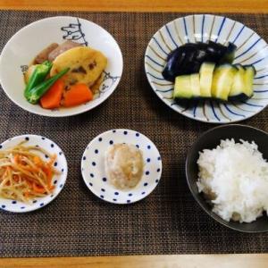 写真がない・・・圧力鍋deこんにゃくと木耳の練天ぷらの炊いたの♪・・♪