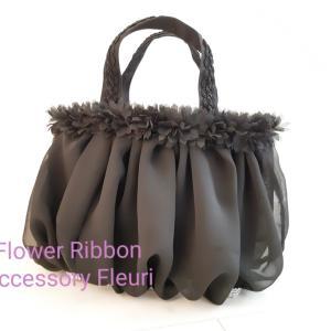 オールブラックのドロワーズバッグ