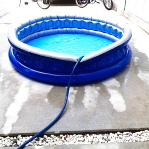 お家プール始めました