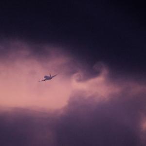 【飛行機写真の魅力001】小雨は異空間