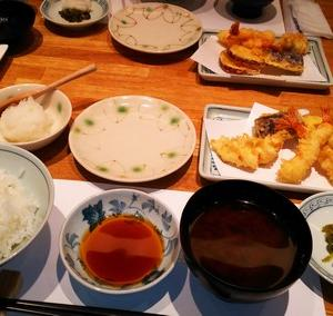新宿つな八の天ぷら定食(昼膳)