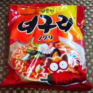 韓国のインスタント麺2種とプデチゲ風