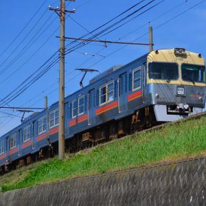 京王3000系の生き残り!旧塗装の伊予鉄3000系を撮る。