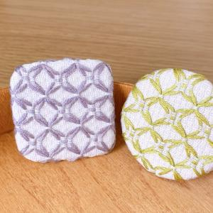 スウェーデン刺繍ブローチ