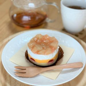 スタバの「ピーチ&マンゴーケーキ」