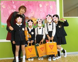 幼稚園のそろばん教室。