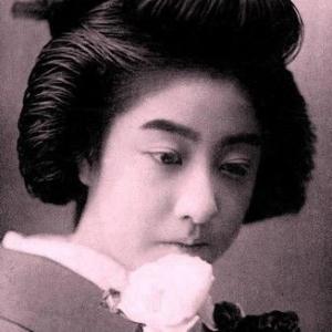 写真の修復・修整・加工・色再現 明治期の芸妓、春本の「萬龍」