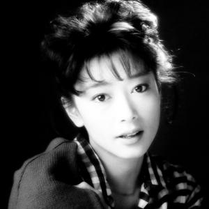 夏目雅子さん 白黒画像の修正+彩色加工