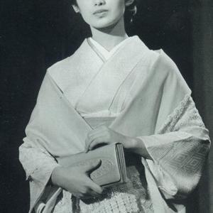 山口百恵さん 白黒写真をカラー化