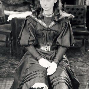 オードリーヘップバーン 昔の写真をカラー化