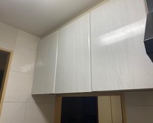 キッチン・吊り戸棚。お弁当関連を収納。
