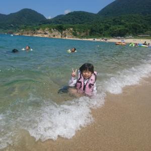 京丹後の竹野浜で海水浴