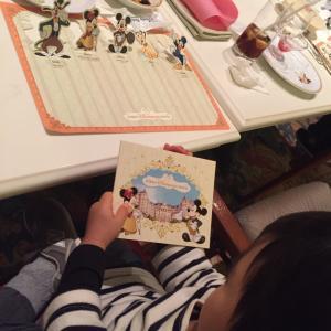 【3歳0ヶ月】ディズニーランドでハピエストサプライズをいただきました!