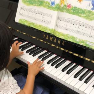 【妊娠9ヶ月】4歳児のピアノ練習