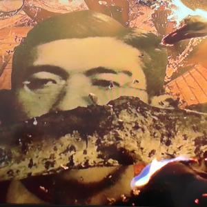 リテラさん味方撃ちw「(昭和天皇の)写真を焼くというのは、政治的表現であって、ヘイトでもなんでもない。」政治的表現に公的資金出していいの?