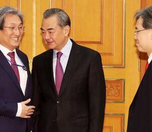 【踏み絵】中国の王毅外相、韓国に圧力「THAAD解決しなければ習主席訪韓ない」