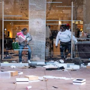 【ロス暴動の再来】米国暴動拡大で韓国系商店への略奪・放火被害続出 コリアンタウンに州兵派遣要請