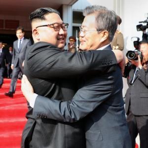 韓国政府に国際社会から批判殺到「文大統領、北朝鮮住民よりも金正恩の安全に関心」