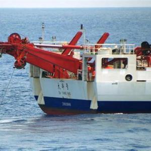 中国、沖ノ鳥島沖EEZ内で違法海洋調査!海保の要求無視して居座り…