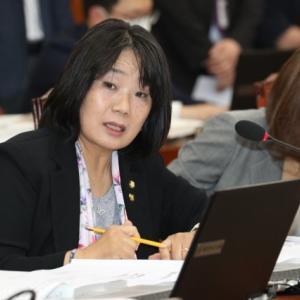 尹美香など韓国与党議員35人「韓米軍事演習を延期せよ…金正恩総書記が反発する」