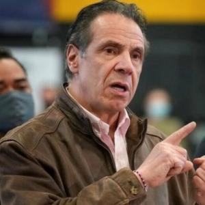 """ニューヨーク州議会議員「死者数の問題でクオモ州知事(民主党)を批判した後、知事から""""キャリアに影響が及ぶことになる""""と脅された」"""