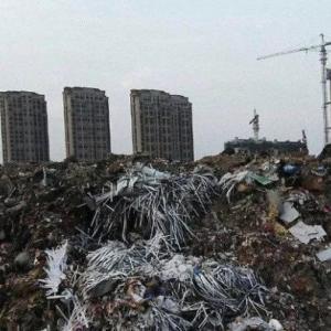 【中国経済】不動産大手がデフォルト危機 債務6兆5840億円 フロー-371億ドル(-4兆68億円)