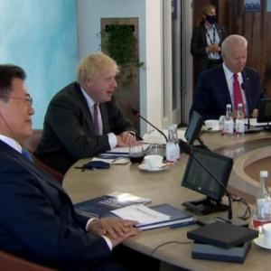 【悲報】文大統領「2億ドル国際支援する」 菅ちゃん「ふっ雑魚が。日本は39億ドル支援する」