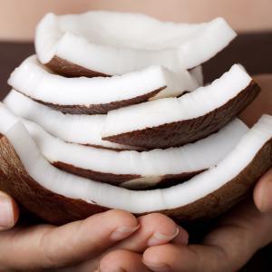 コロナや癌のリスク倍増?「ココナッツが今、注目される理由」!