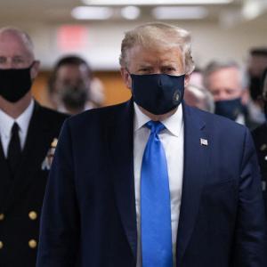 マスクをしたトランプ大統領が完全に闇組織のボスwww |  若林豪みたいで格好いいじゃん