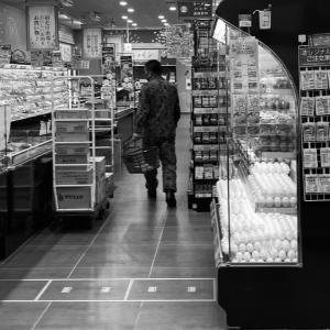 元SEALDsハンスト男「スーパーで迷彩服着てる自衛官みた…怖い。お年寄りがみたらどう思うか」 |  沖縄で座り込みしてる連中の方が怖い