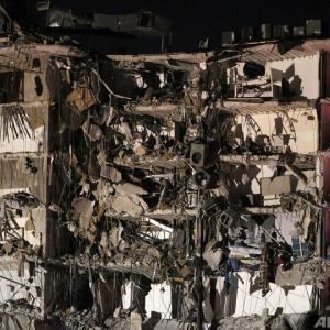 アメリカで12階建てアパート崩落。多くの部屋が丸見えに。1人死亡。 #画像有 |  こんなゲームあったな  |  いくら手抜きでもこんな一気に崩れるものなんか