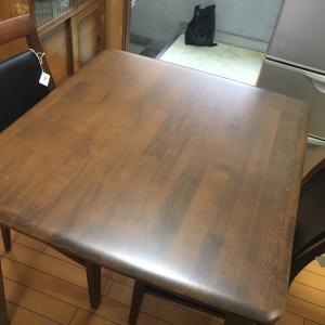 44年目のダイニングテーブル買い替え