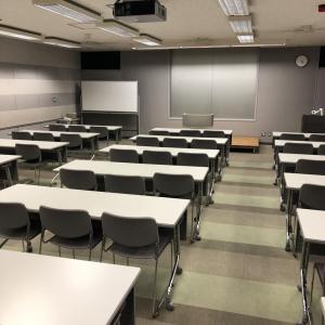 久しぶりの学習会で労働法を勉強する
