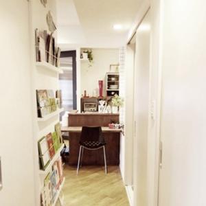 廊下の絵本棚を改良