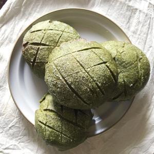 酒種⑦  抹茶メロンぱん(酵母クッキー生地)