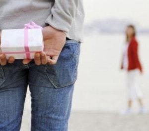 【片思いの若い女性に誕生日プレゼント】これで付き合える!?<br />