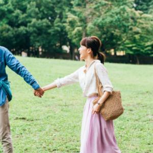 これが恋愛成功の決め手?好きな女性と自然に「手をつなぐ」方法!<br />