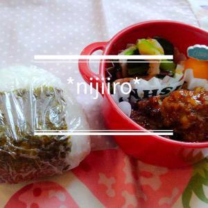 女子高校生のお弁当~おにぎりと甘辛肉だんご弁当