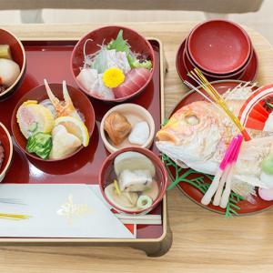 お食い初めでした!!大人達ばかりおいしいお料理を(^0^;)