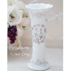インテリアにもピッタリな実用的な花瓶とペンスタンド