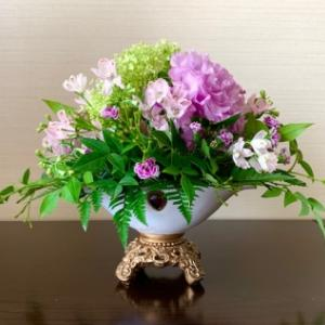 トルコ桔梗と紫陽花のアレンジメント