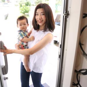 産後の骨盤矯正は、赤ちゃんと一緒に受けられる当サロンへお越し下さいね♪