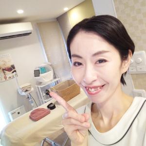 簡単♪目の下のたるみを改善して若返る顔筋トレーニングをご紹介★