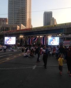 バンコクのデモをみちゃった一般人、再び…