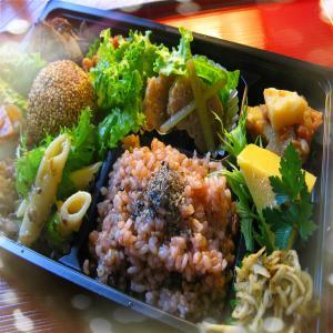 たかの は、金沢市で開業から20年営んでいる自然系穀菜食堂 白ご飯と発芽活性玄米ご飯を選べます!
