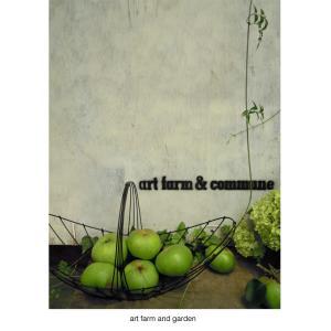 グリーン色の林檎と花/art farm & garden