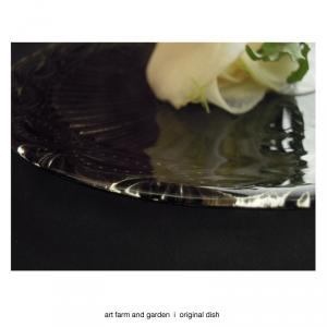 白い蕪と硝子のプレート/[アート農場と庭]のアートフード