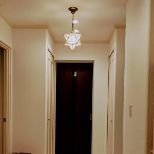 【家づくり】玄関に使うランプの位置って…